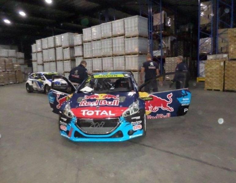 Opslag en vervoer van race auto's